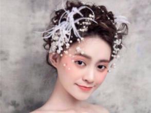 美容师、美甲师、化妆师等培训 学化妆